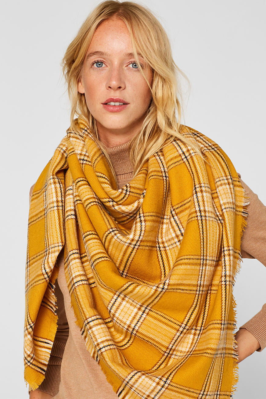 Scarf with colourful woven check pattern