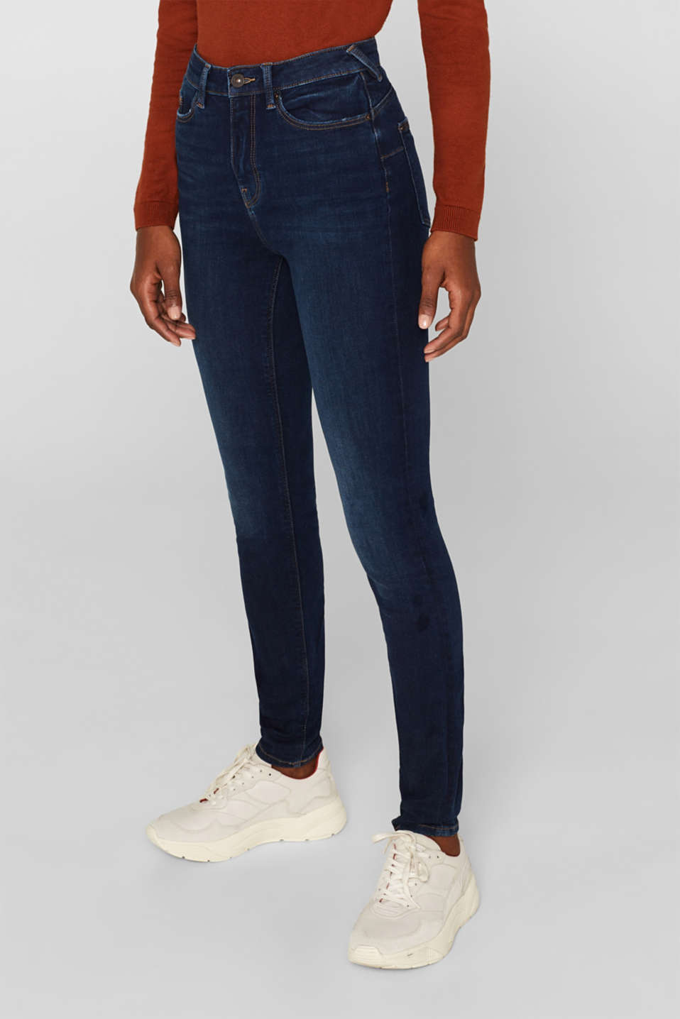 With TENCEL™: Shaping jeans with two-way stretch, BLUE DARK WASH, detail image number 6