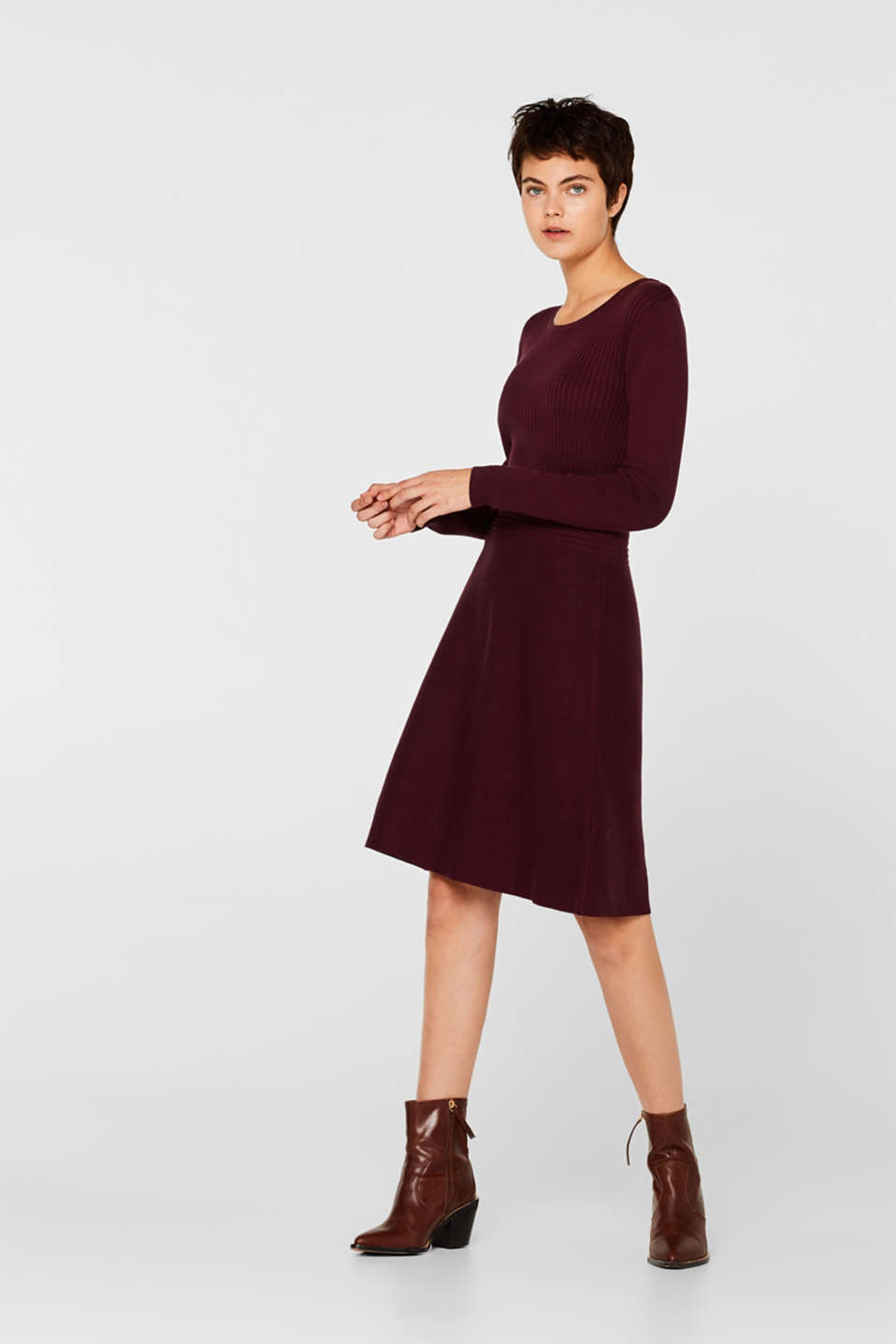 Knit dress with a ribbed texture, BORDEAUX RED, detail image number 1