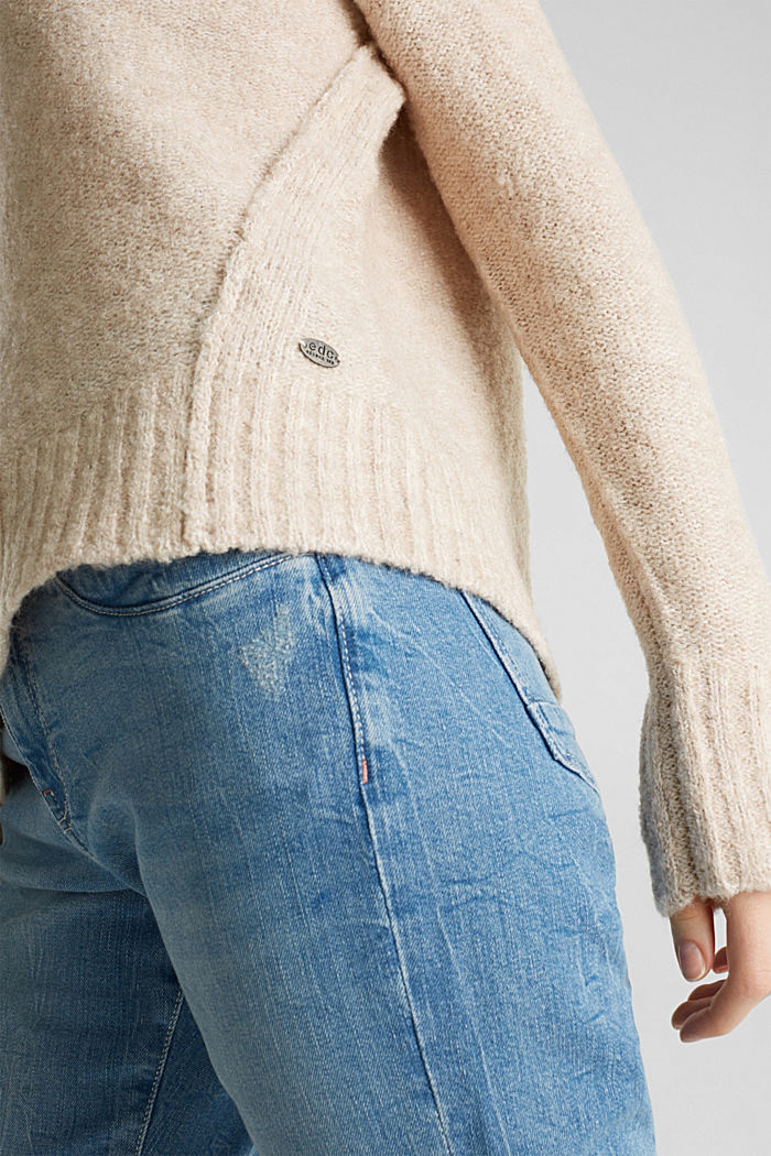 With wool: Bouclé jumper with a button placket, BEIGE, detail image number 1