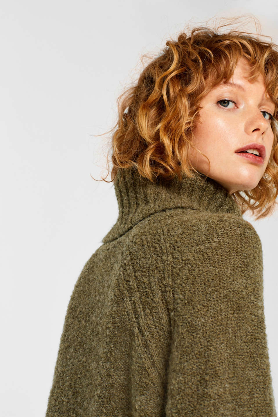 Made of blended wool: Bouclé polo neck jumper, KHAKI GREEN, detail image number 2
