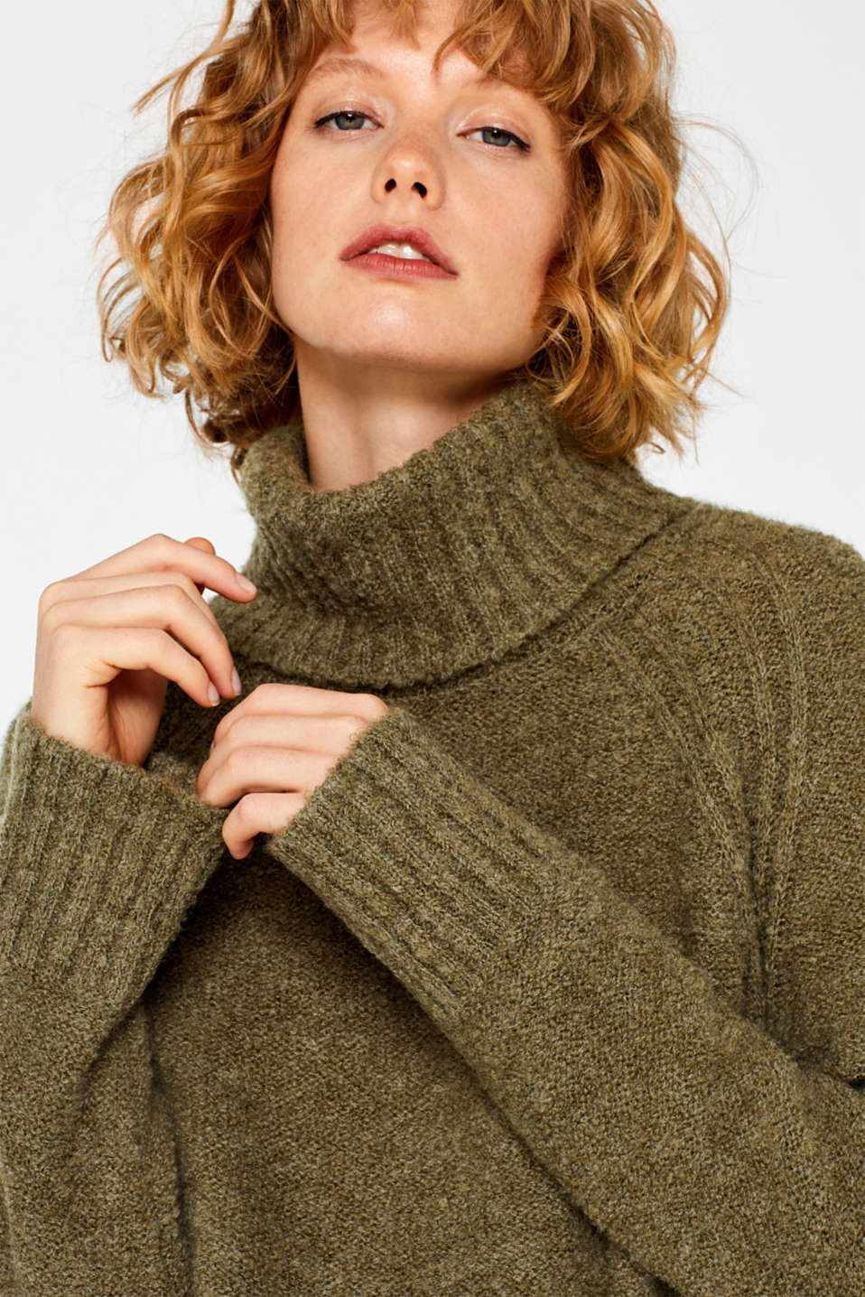 Made of blended wool: Bouclé polo neck jumper, KHAKI GREEN, detail image number 7