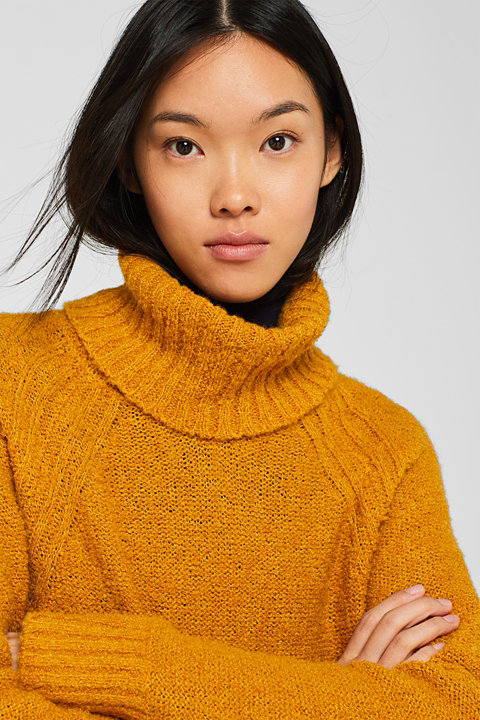 Made of blended wool: Bouclé polo neck jumper