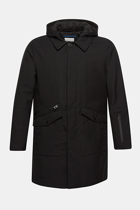 Coat with an adjustable hood
