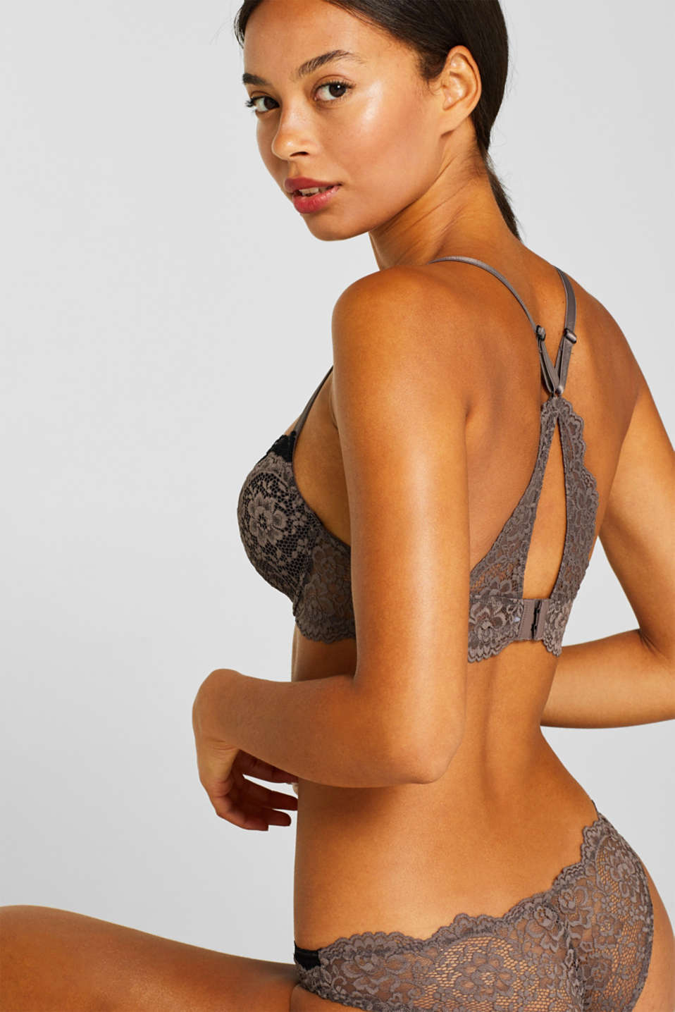 Padded underwire bra in two kinds of lace, TAUPE, detail image number 1