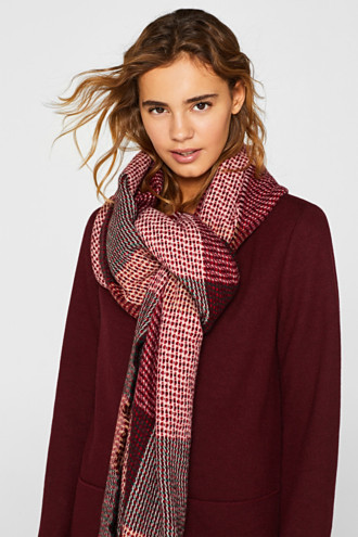 Woven scarf with stripes