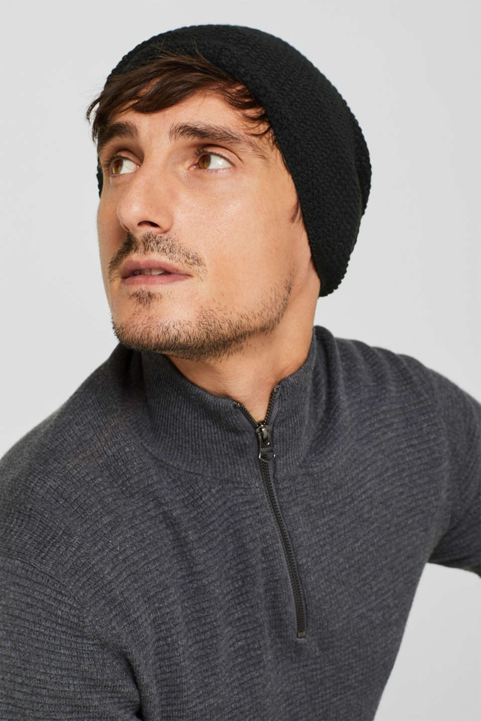 Knit cap with a texture, BLACK, detail image number 2