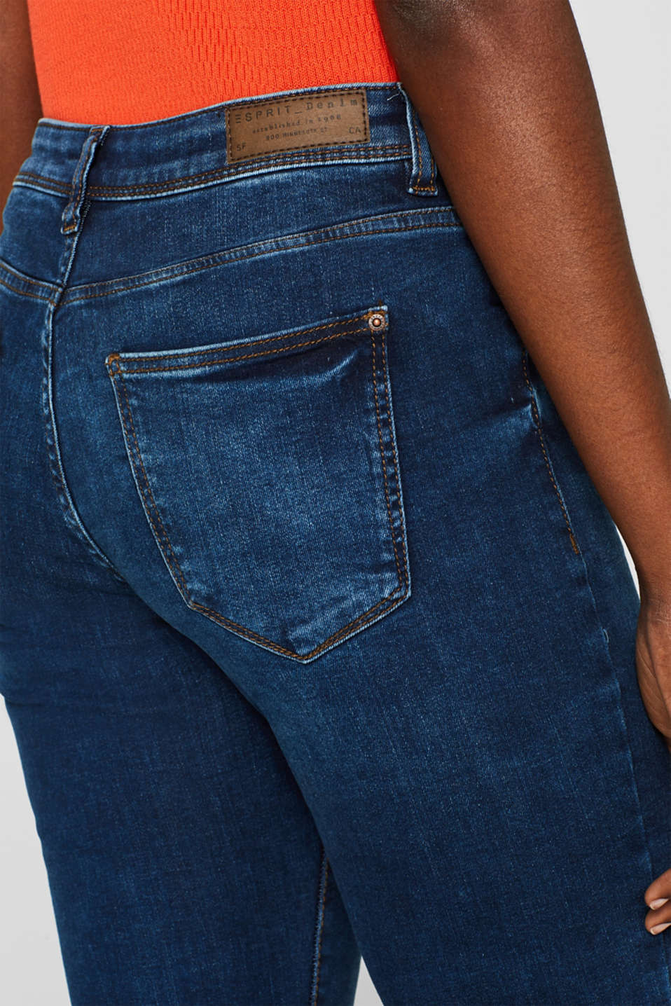 Stretch jeans containing organic cotton, BLUE MEDIUM WASH, detail image number 5
