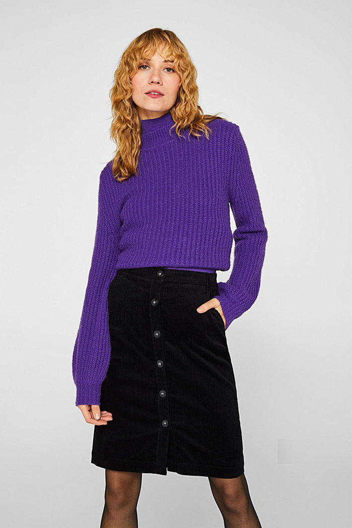 Stretch corduroy skirt with a button placket