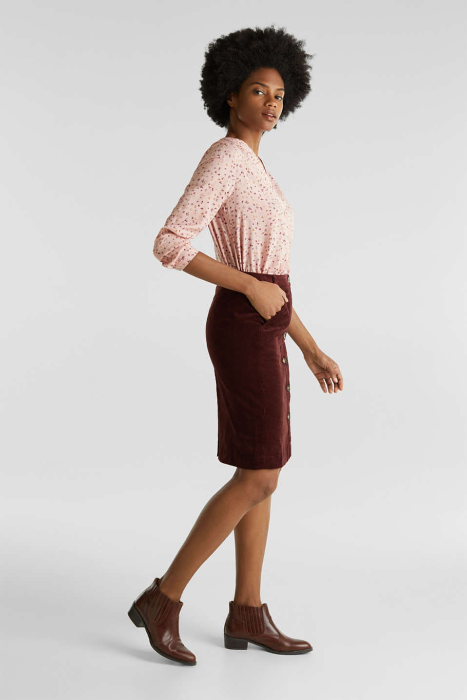 Stretch corduroy skirt with a button placket, BORDEAUX RED, detail image number 0