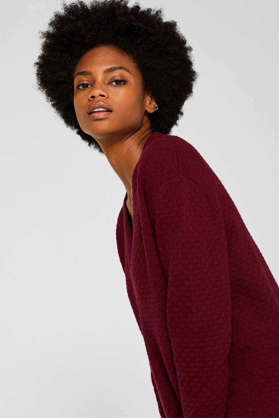 With wool: dress in textured knit, GARNET RED, detail image number 5
