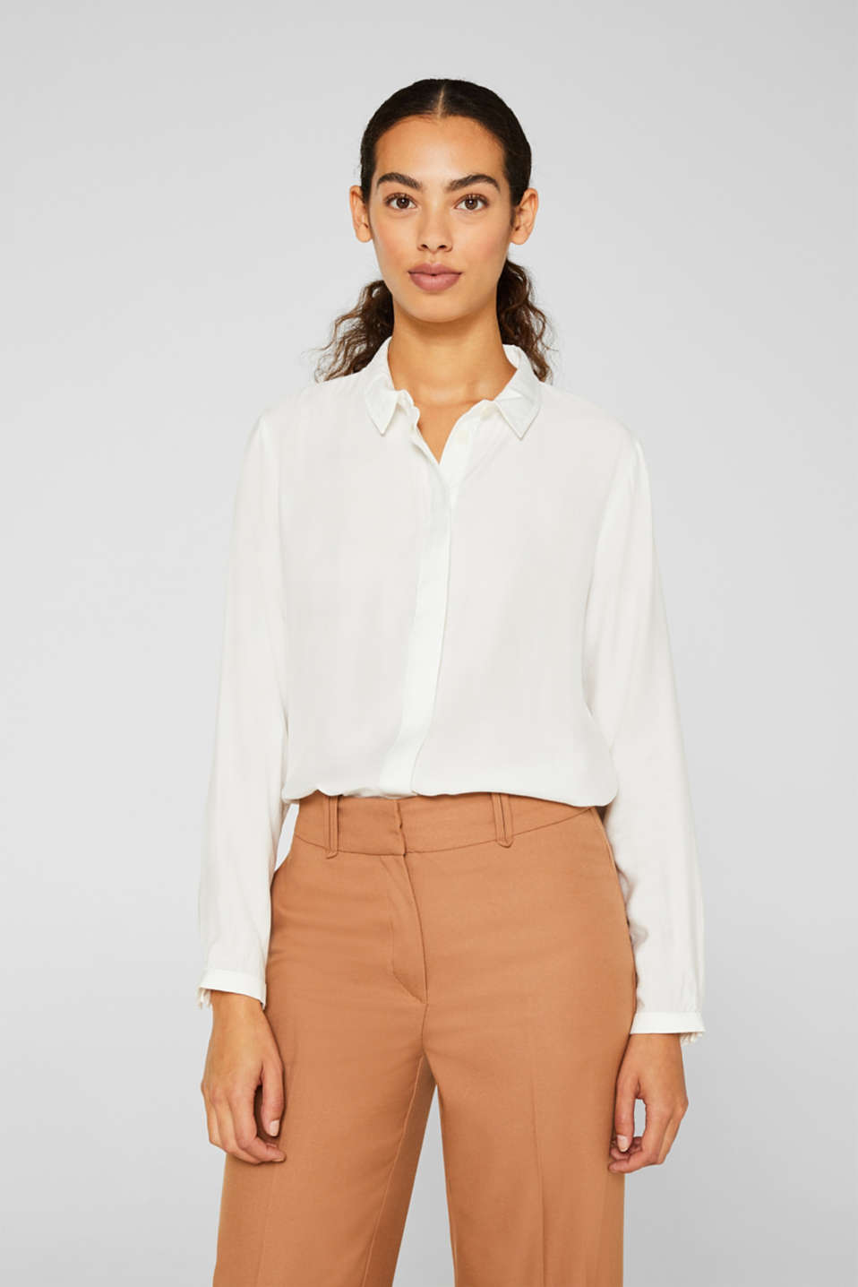 Esprit - Blouse with a concealed button placket