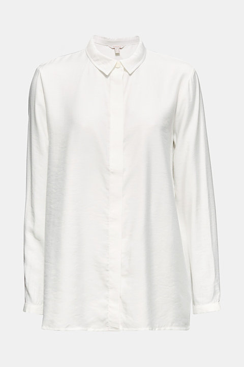 Blouse with a concealed button placket