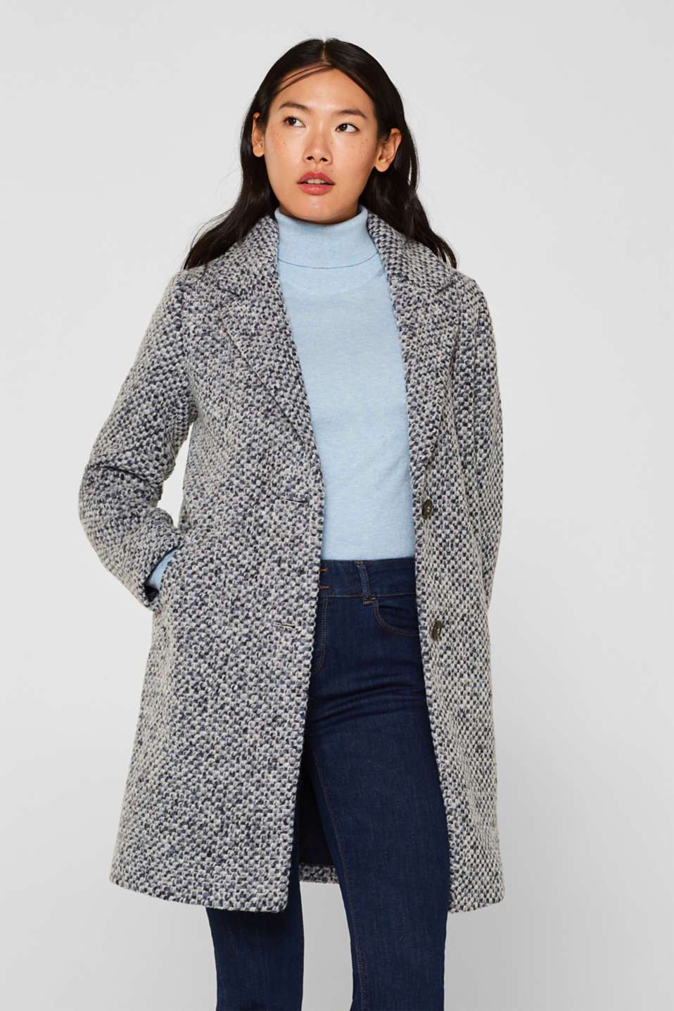 In blended wool: textured blazer coat