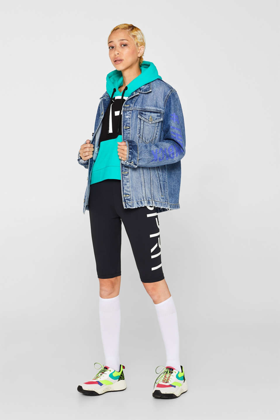 #throwback unisex denim jacket with a print, BLUE MEDIUM WASH, detail image number 1