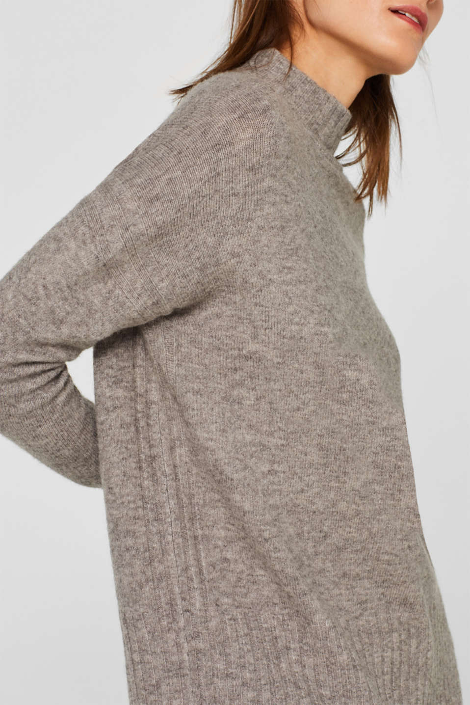 With wool: jumper with ribbed details, MEDIUM GREY 5, detail image number 2