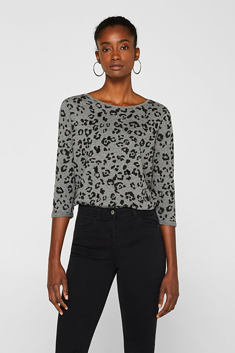Top with a leopard print and sequins