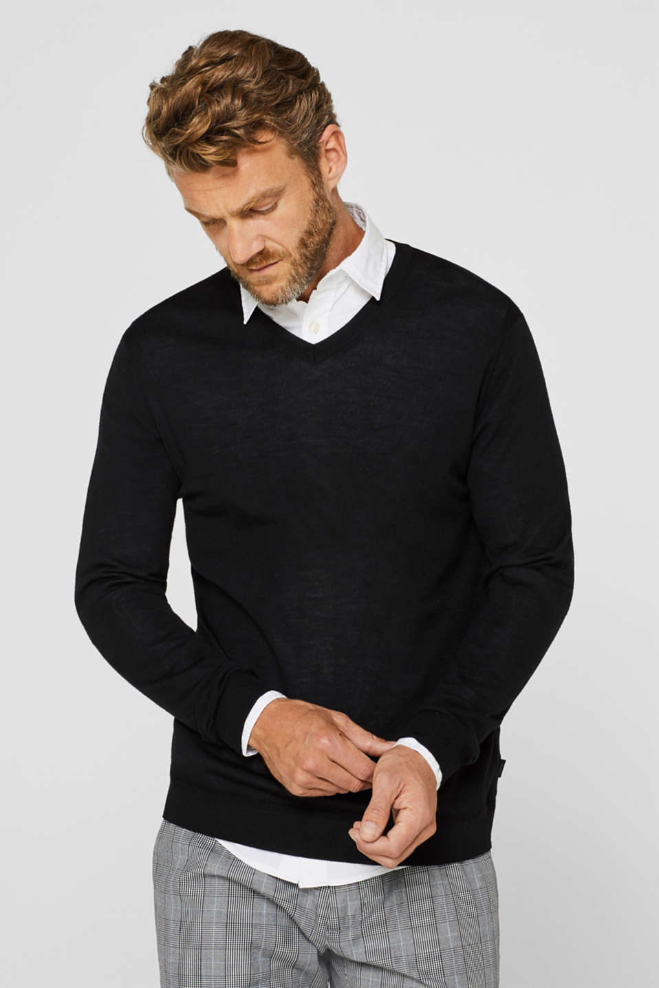 Esprit - 100% merino wool: V-neck jumper