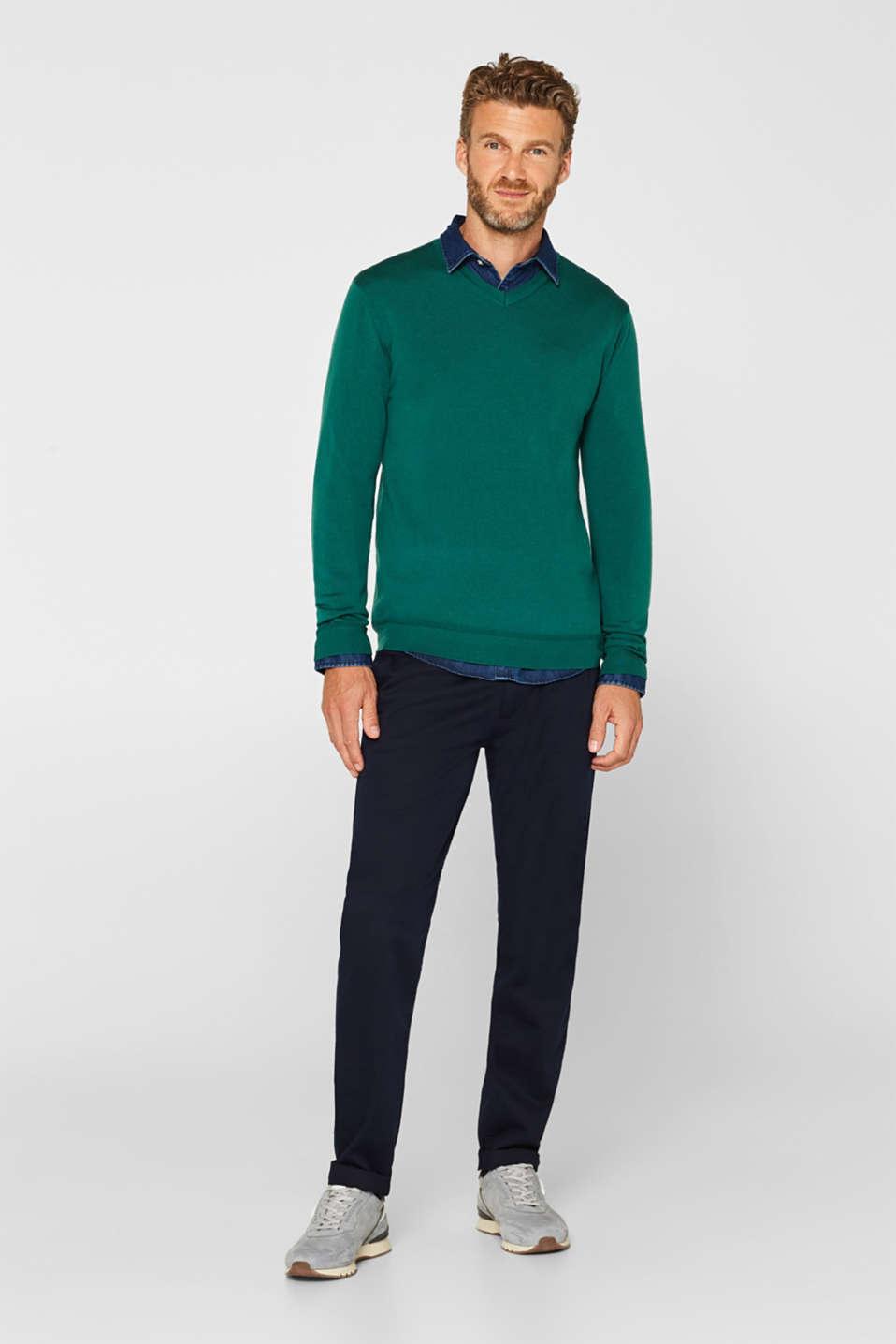 100% merino wool: V-neck jumper, EMERALD GREEN, detail image number 4