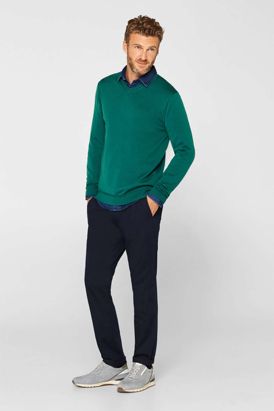100% merino wool: V-neck jumper, EMERALD GREEN, detail image number 1