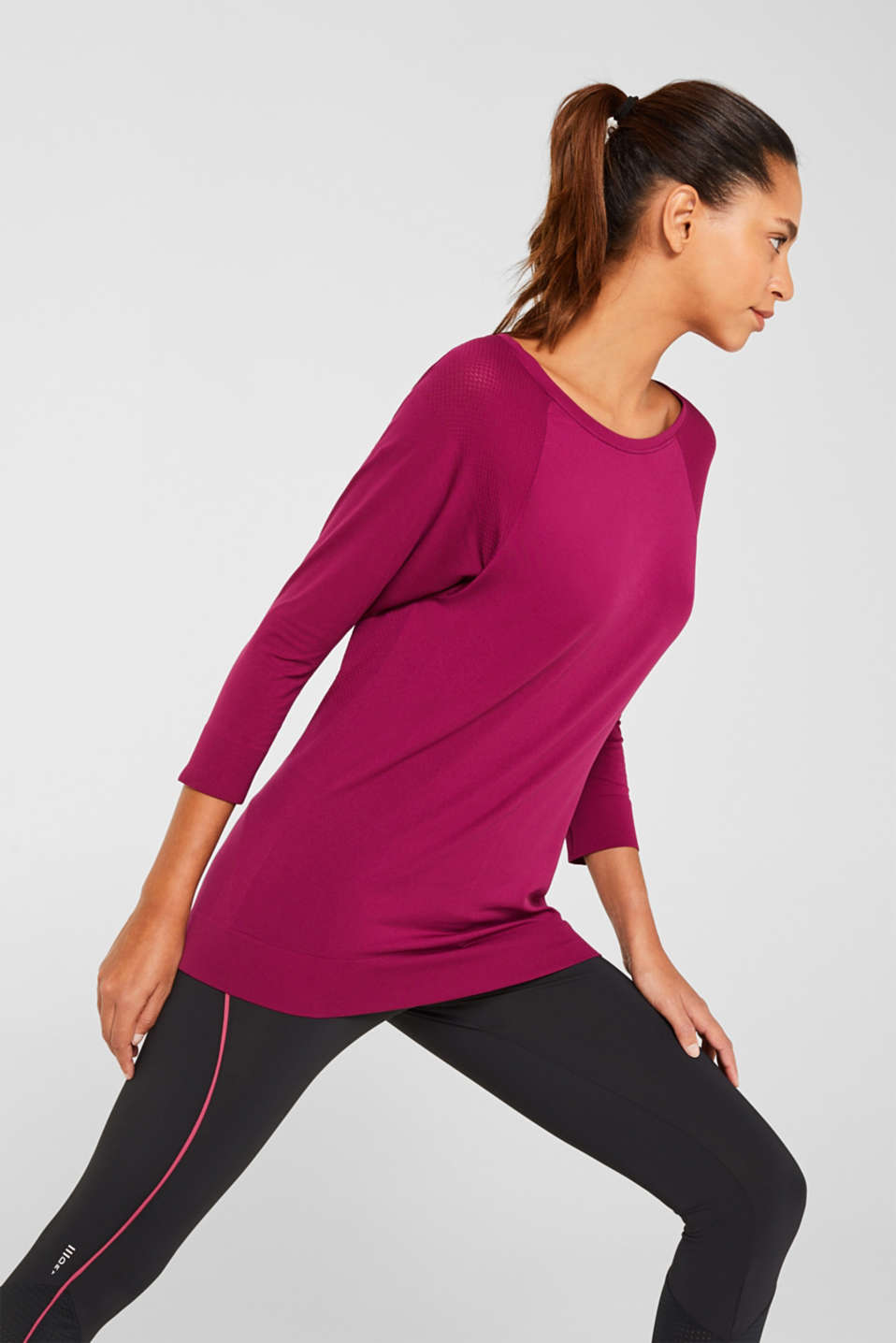 Esprit - Batwing top with textured details, E-DRY