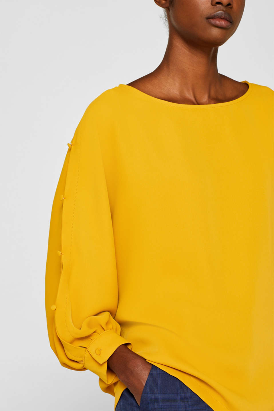 Button detail blouse, AMBER YELLOW, detail image number 2
