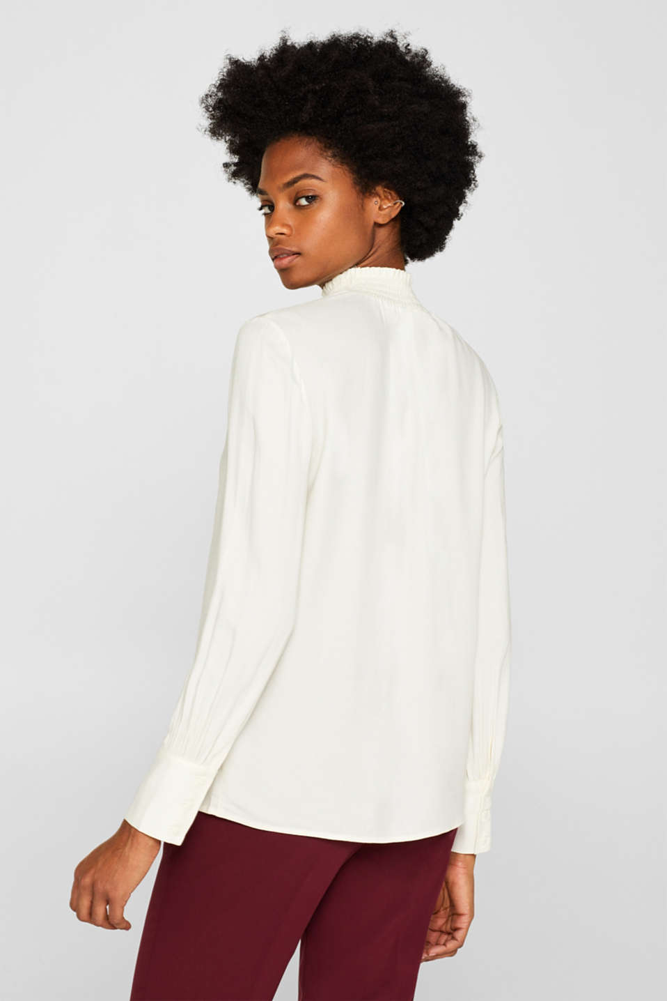 Crêpe blouse with smocked band collar, OFF WHITE, detail image number 2