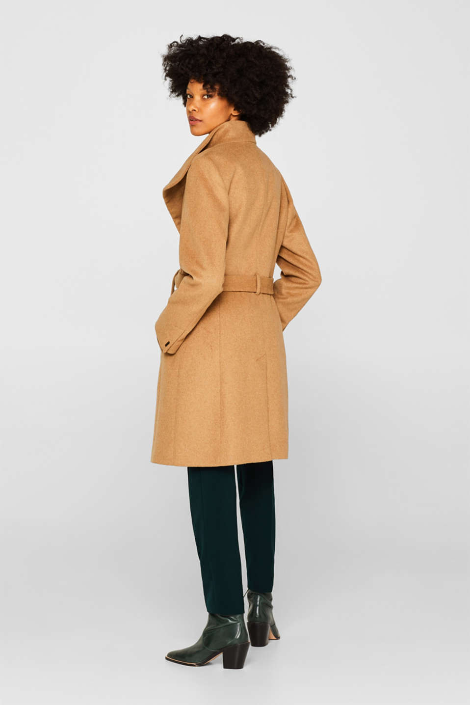 With wool: Coat with tie-around belt, CAMEL, detail image number 3
