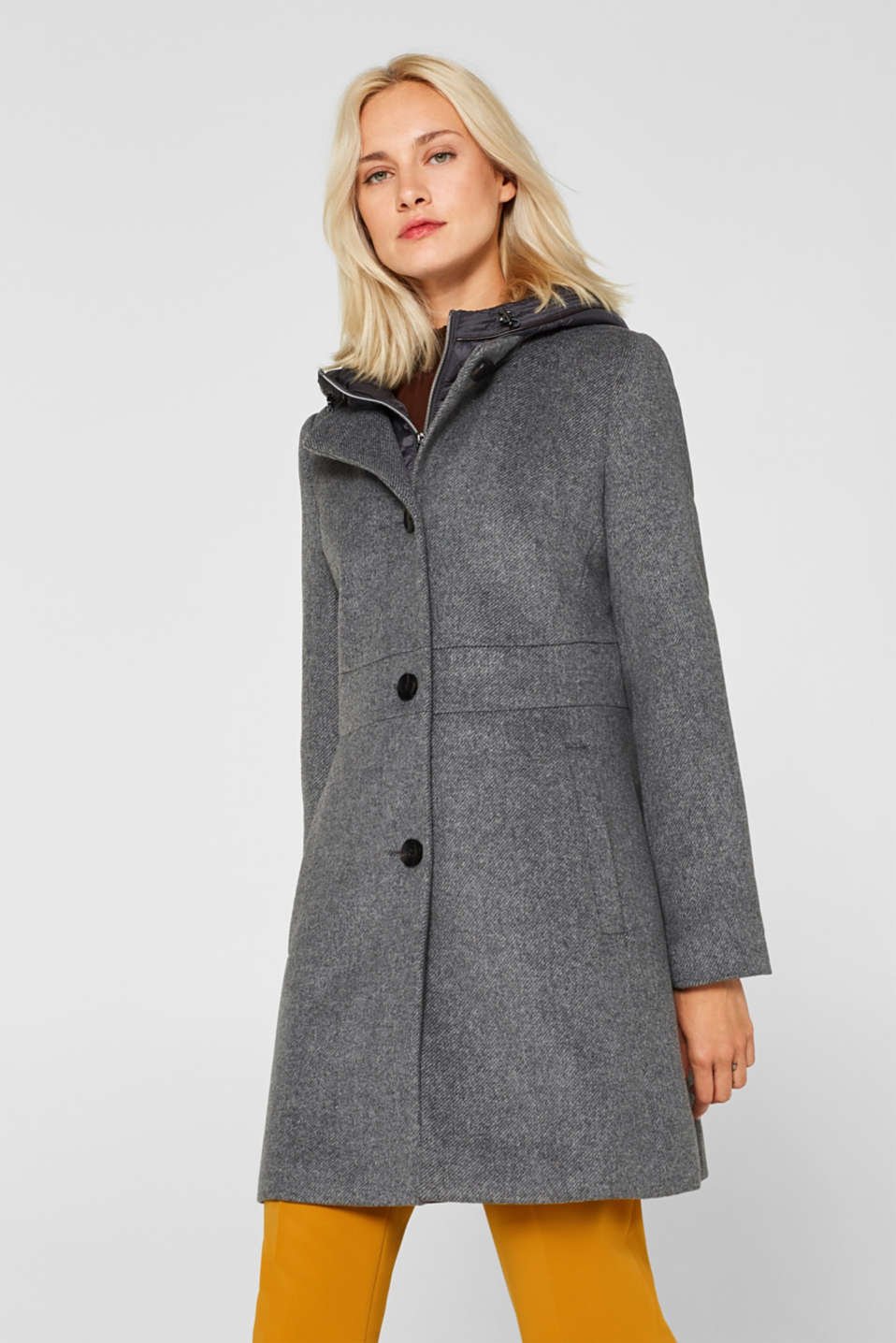 Esprit - With wool: coat with a hood and quilted details