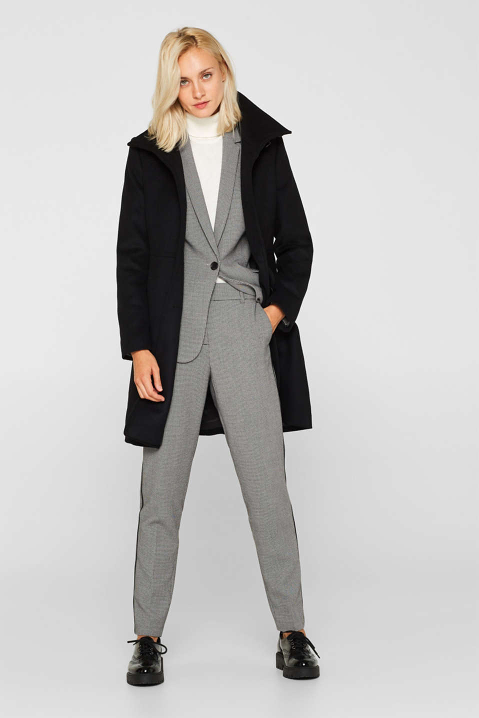With wool: coat with a trendy collar, BLACK, detail image number 1