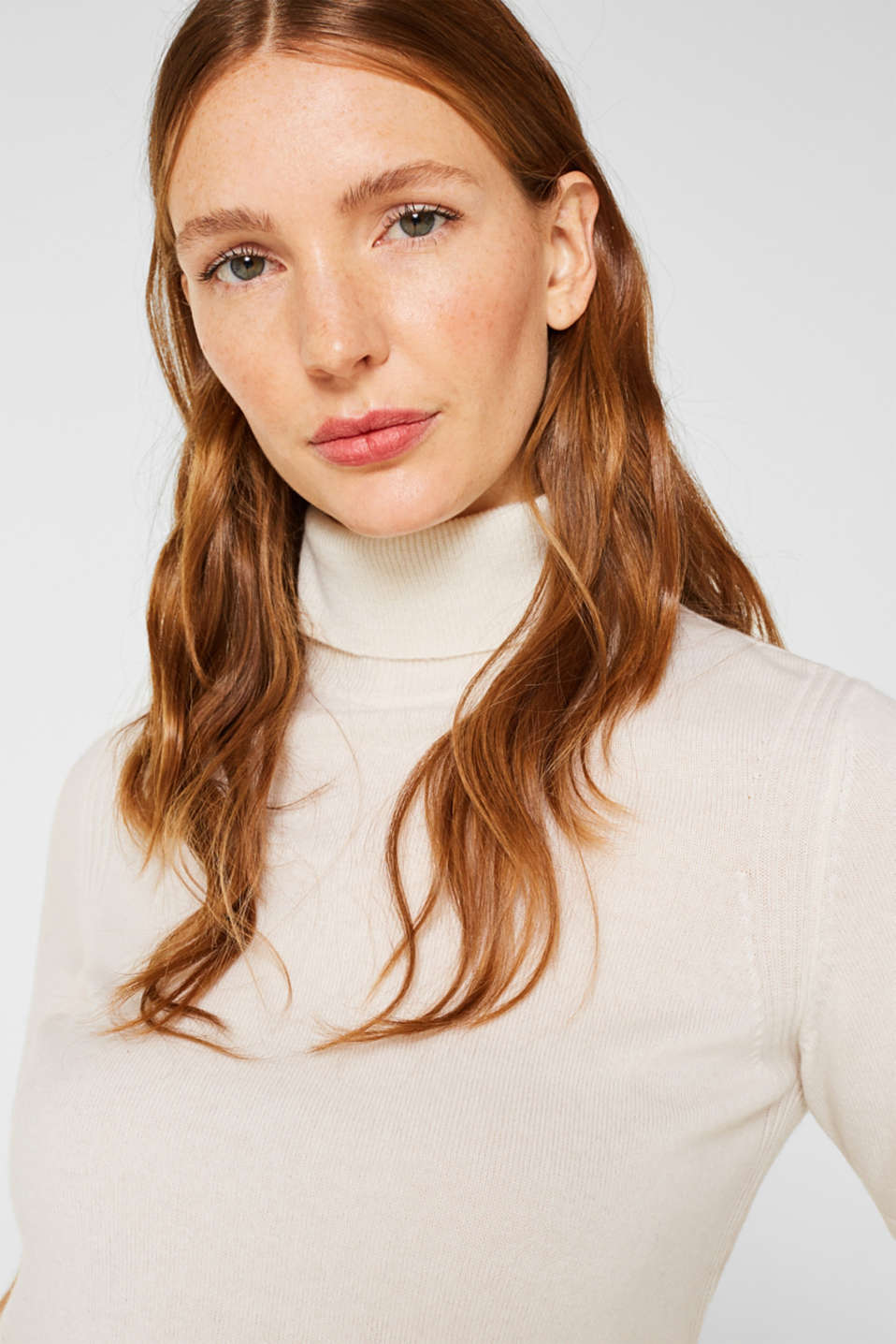 With cashmere: knitted top with a polo neck, OFF WHITE, detail image number 6