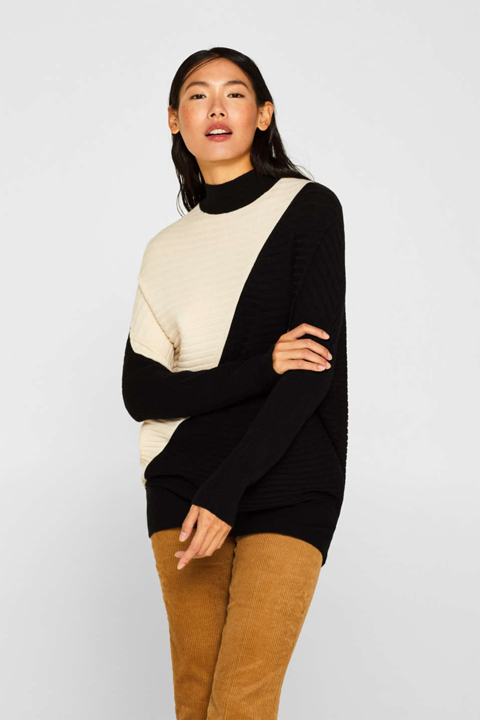 Esprit - Turtleneck-Pullover mit Colorblock