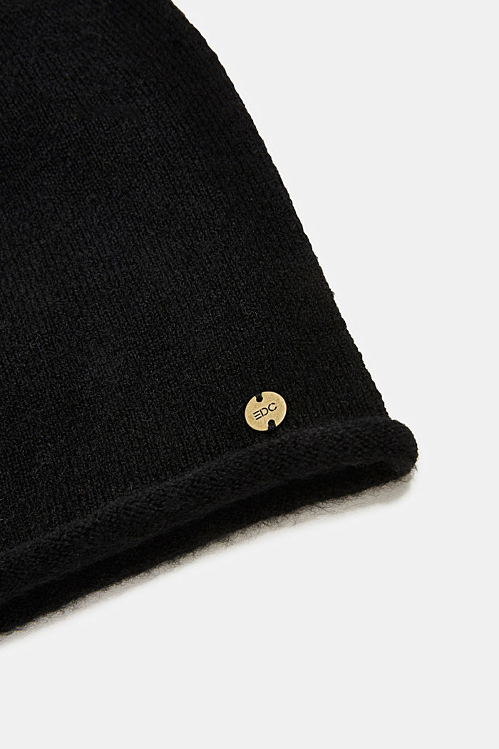 Beanie with a rolled edge, BLACK, detail image number 1
