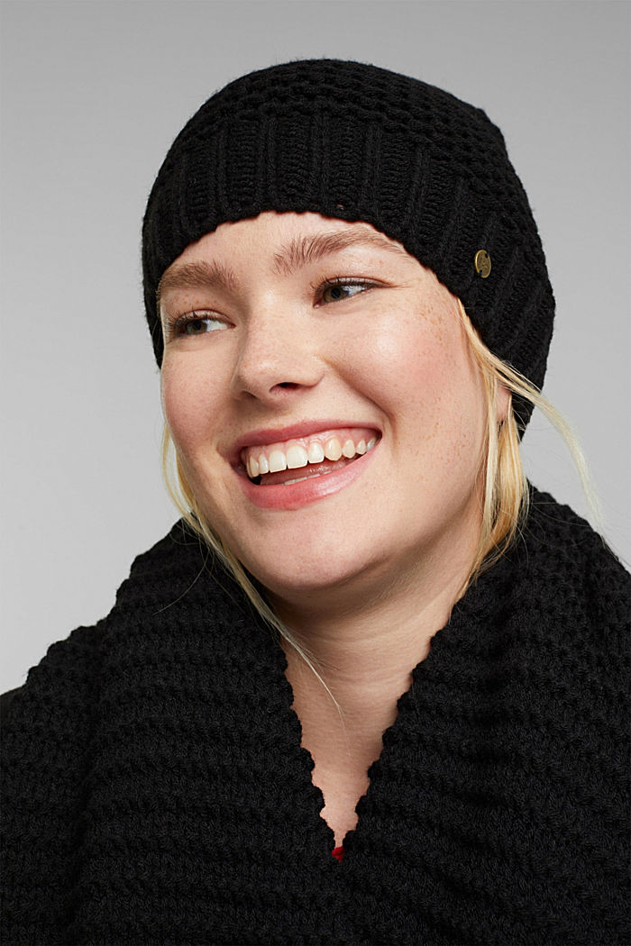 Recycled: textured knit pattern