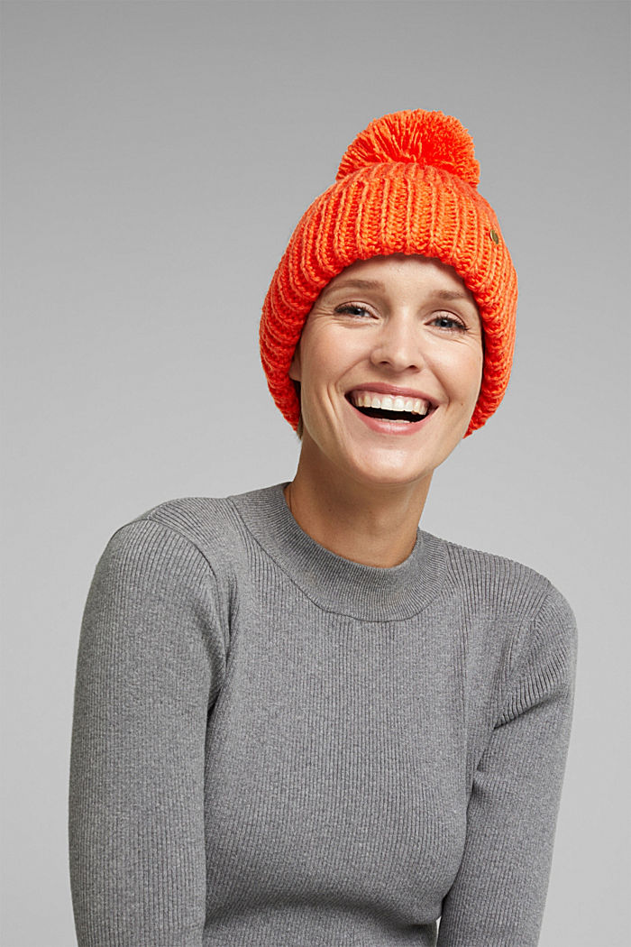 Recycled: knitted hat with a pompom