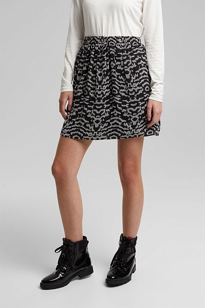 Mini skirt with geometric print