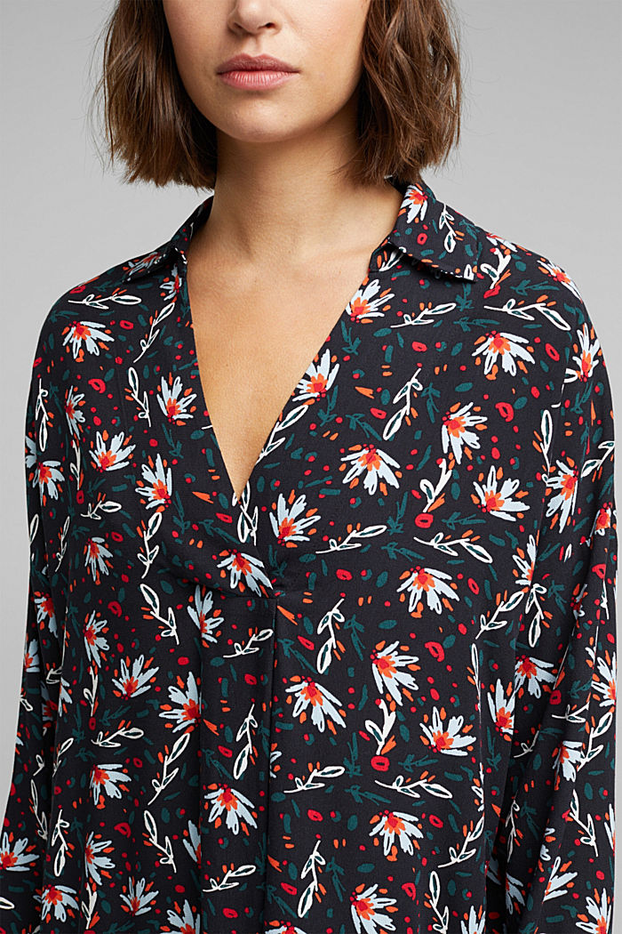Slip-on blouse made of printed crêpe, BLACK, detail image number 2