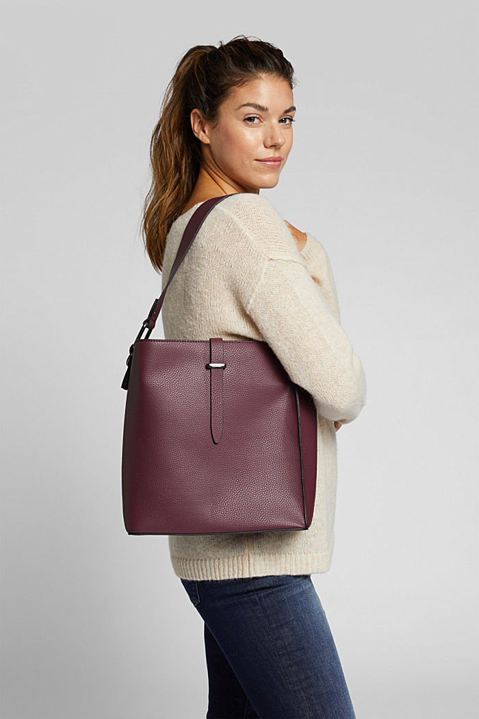 Vegan: faux leather shoulder bag, BORDEAUX RED, detail image number 1