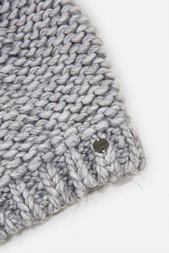 Mit Alpaka und Wolle: Mütze mit Fell-Bommel, LIGHT GREY, detail image number 1