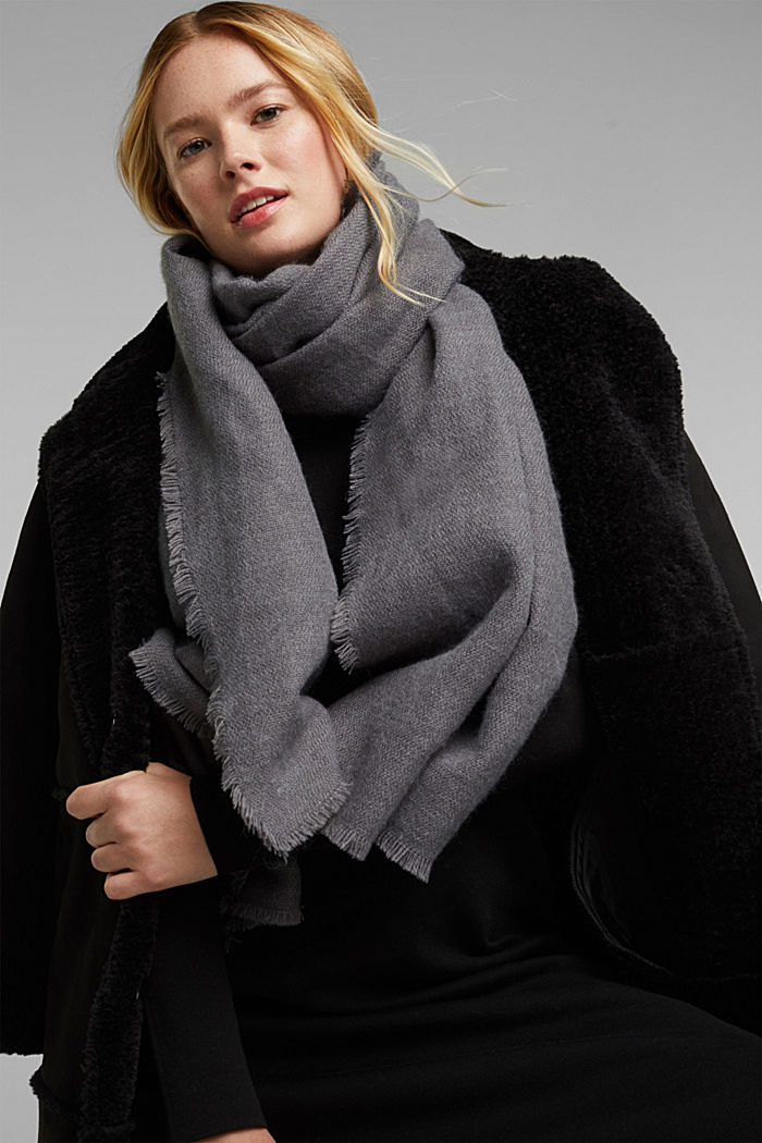 Recycled: Wool-effect woven scarf