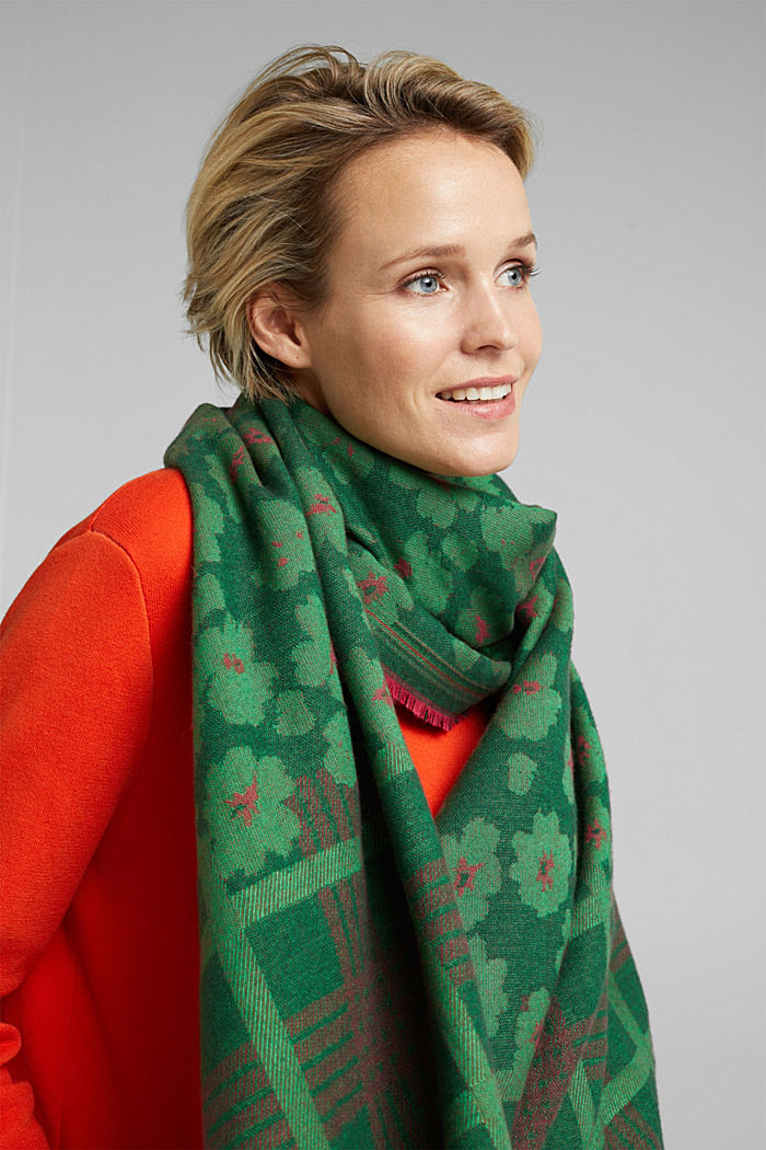 Woven scarf with LENZING™ ECOVERO™, DARK GREEN, detail image number 1