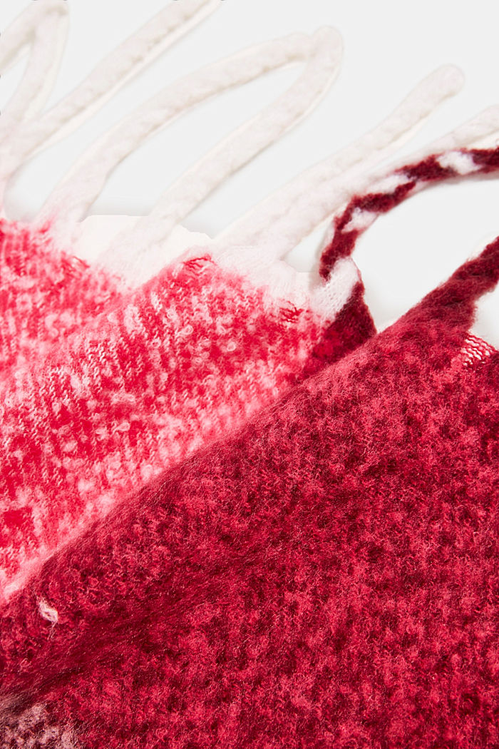 Recycled: Bouclé scarf in a colour block design, PINK FUCHSIA, detail image number 2