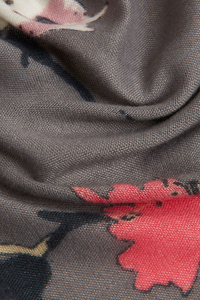Recycled: square scarf with a floral pattern, GUNMETAL, detail image number 2