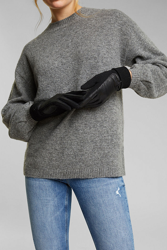 With wool/leather: touchscreen gloves