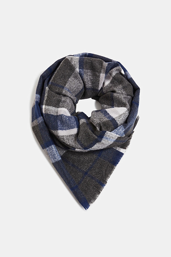 Recycled woven scarf with a check pattern
