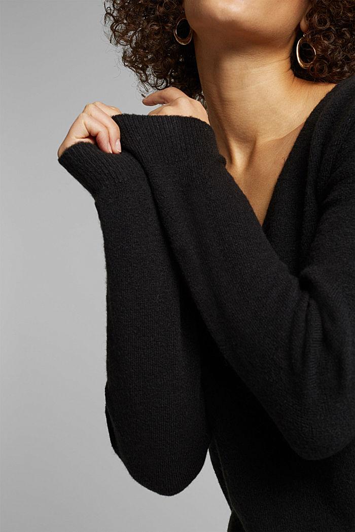 Wool blend: Jumper with a V-neckline, BLACK, detail image number 2