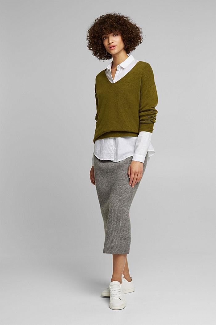 Wool blend: Jumper with a V-neckline, OLIVE, detail image number 1