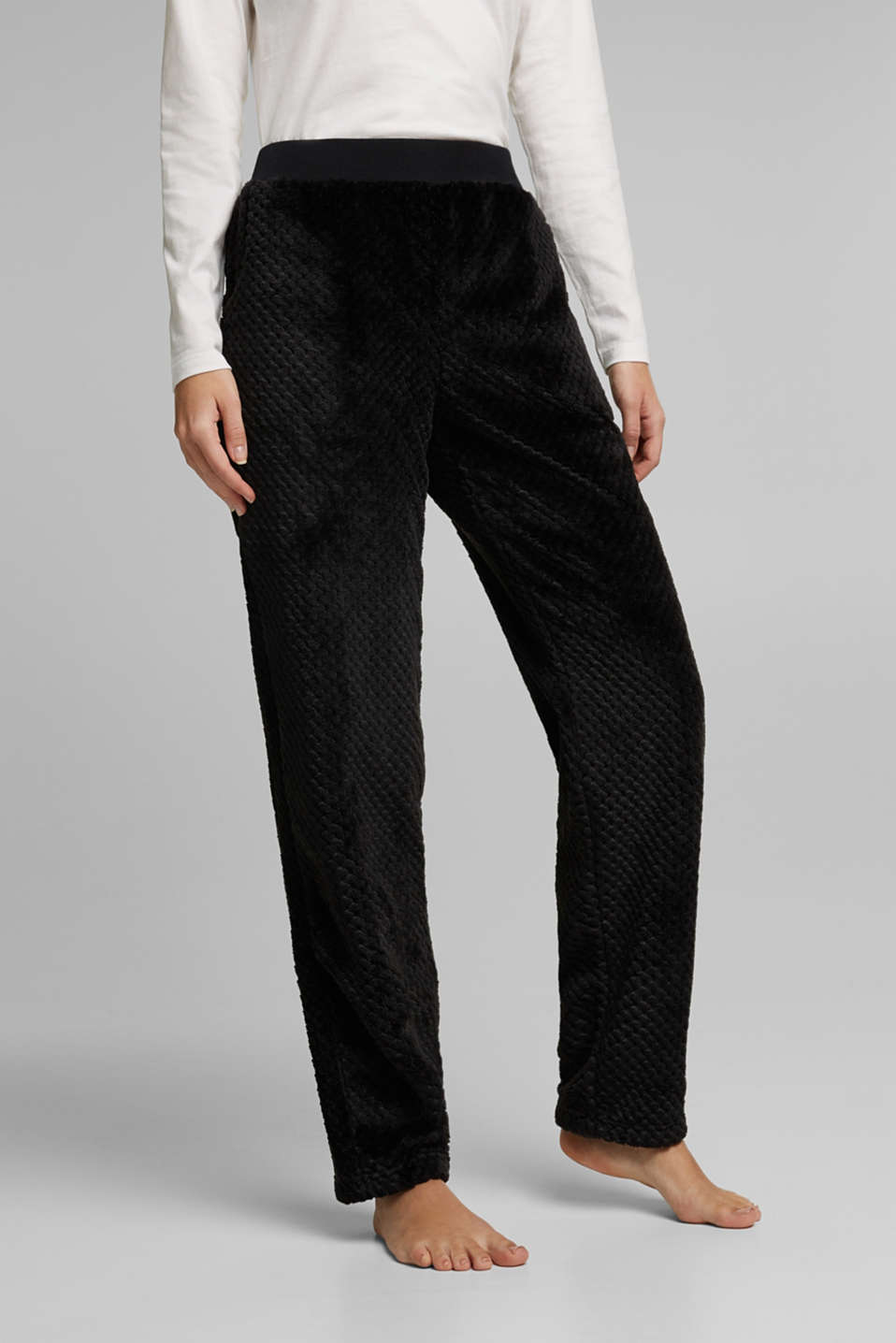 Esprit - Soft lounge trousers made of textured plush