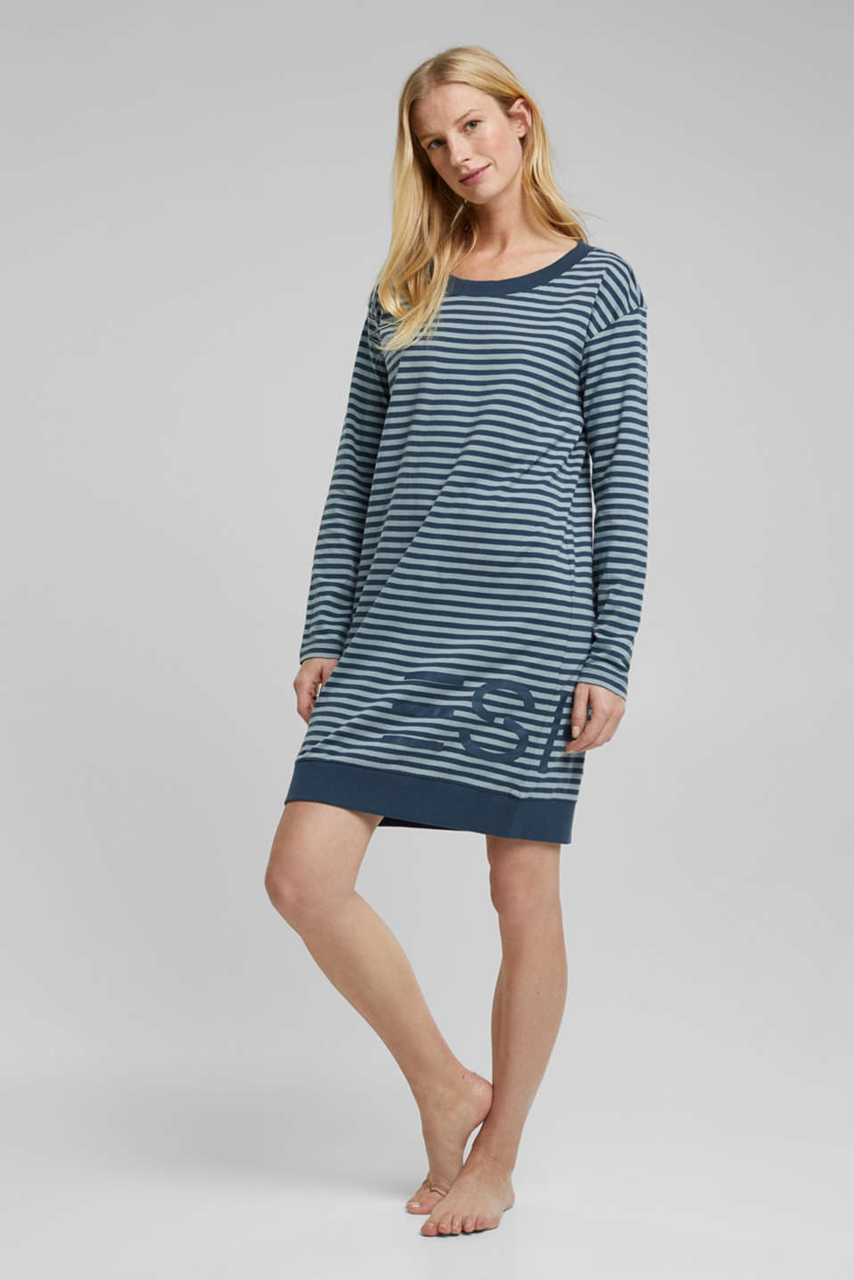 Esprit - Jersey nightshirt with a logo print