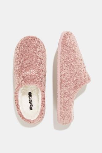 Slippers in teddy plush